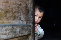 中国最穷困人群:人畜同屋 1年吃3次肉